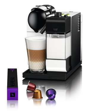Delonghi EN520 Nespresso Lattissima Plus Coffee Maker